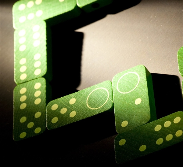 Domino clorophilla gioco di societ giochi in legno - Domino gioco da tavolo ...