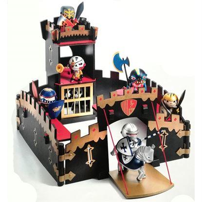 Immagine di castello arty toys